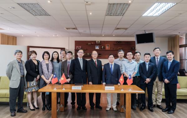 2018/12/21-12/30越南傅爾布萊特大學來訪 – 簽屬MOU並進行學術交流